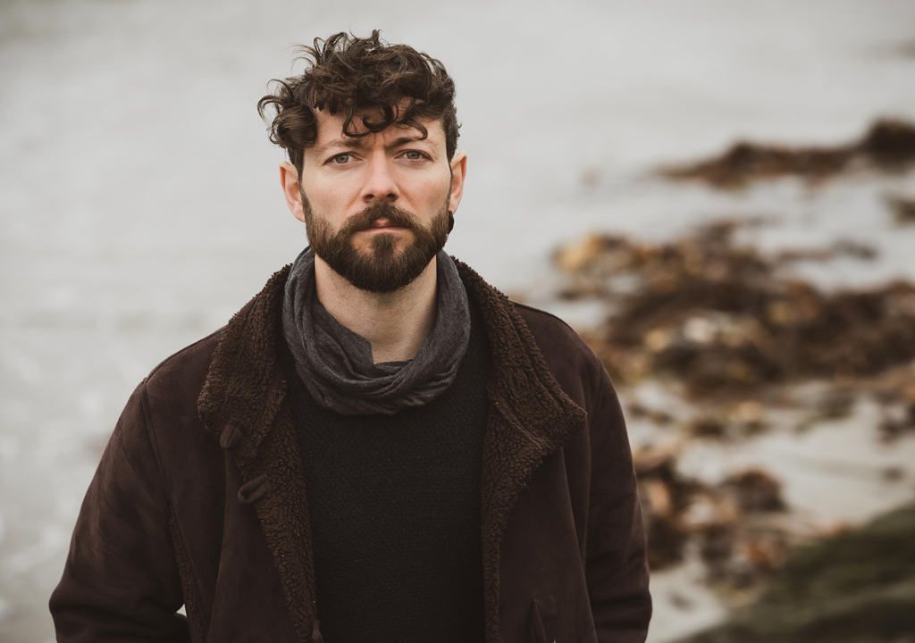 Embracing elements of traditional roots with accordions and mandolins, intertwined with synths and drums, 'Niall McCabe' unleashes the melodic 'Borders'